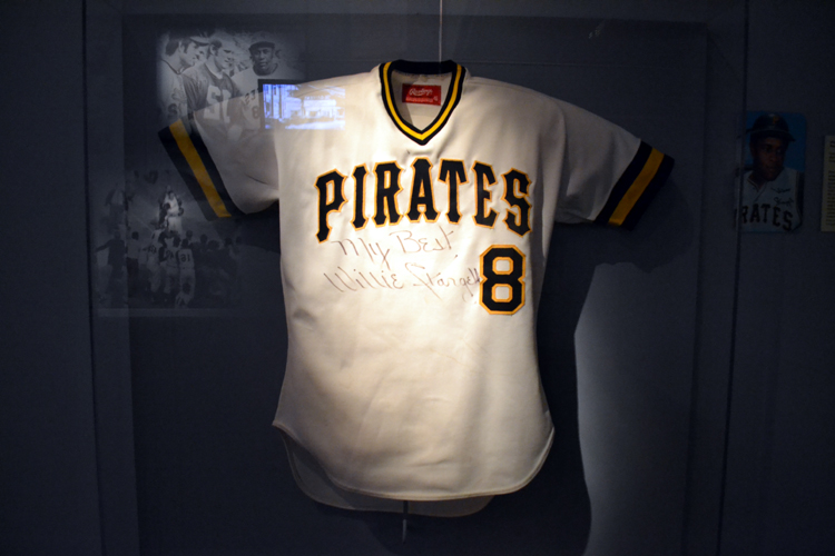 huge selection of f3a32 0a4fb 8 willie stargell jersey frame