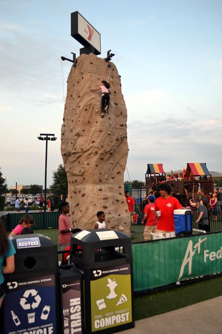 round-rock-express-rock-climbing-wall