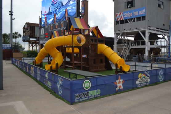 whataburger-field-play-structure