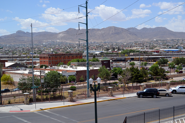southwest-university-park-looking-over-to-juarez