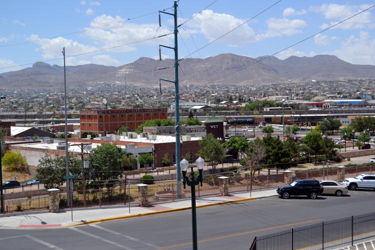 southwest-university-park-looking-over-to-juarez