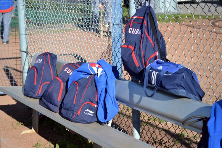 ottawa-champions-cuba-bullpen-bags