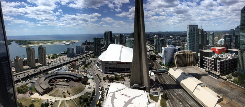 delta-toronto-club-lounge-view-pano