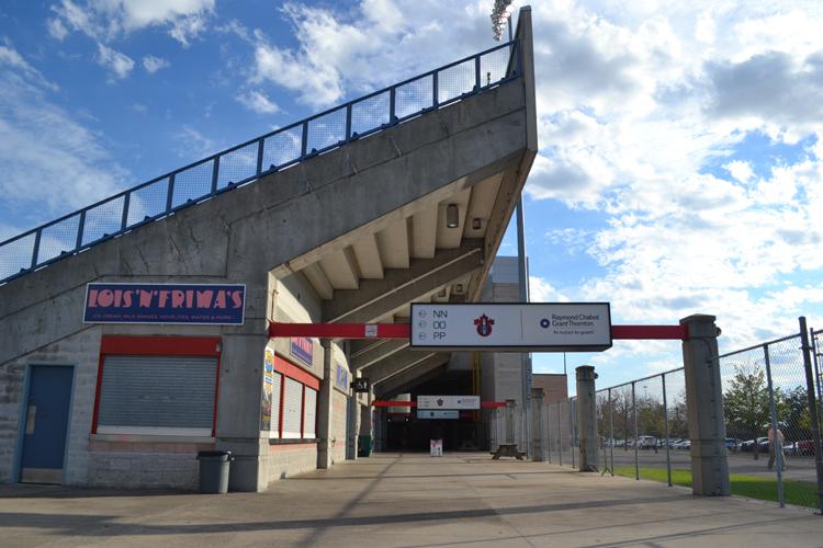ottawa-champions-empty-concourse